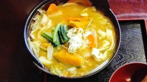 長野県を愛する男のソウルフード。松本の甘くてまるい「ほうとう」の食べ方