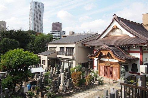 地名で歩く東京散歩。新宿にある静寂の街「愛住町」のナゾ