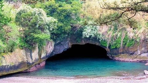 【神秘】西伊豆で見つけた「青の洞窟」と「東洋のモンサンミッシェル」