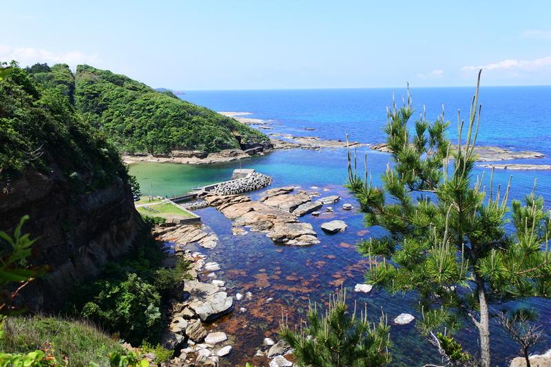 石見海浜公園から見た日本海、海の色がきれいです。