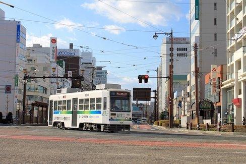 路面電車を運転したい人が乱舞した、豊橋市のふるさと納税「返礼品」