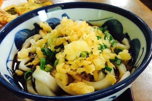 コシとは無縁、でも美味しい。三重県伊勢市の名物「伊勢うどん」