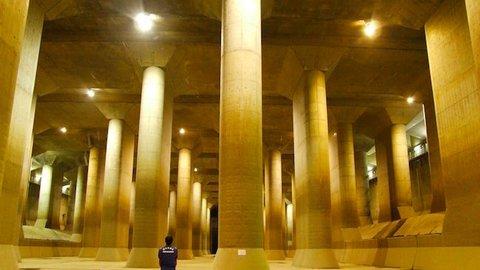 外国人もビビった。東京近郊に実在する、巨大な地下神殿に潜入取材