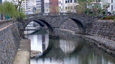 300年以上の歴史がある長崎「眼鏡橋」に隠された、ハートなストーン