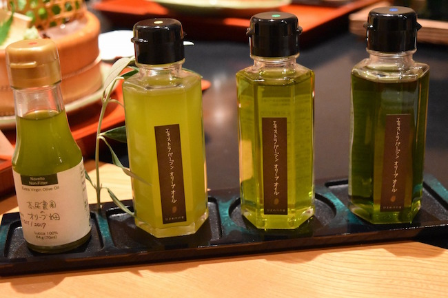 小豆島の農園で作られたフレッシュなオイルはお好みで