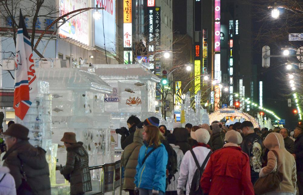 第62回さっぽろ雪まつりの様子。海外からも観光客が集まる