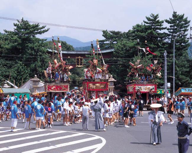 敦賀まつりで引かれる山車©︎(公社)福井県観光連盟 JPG