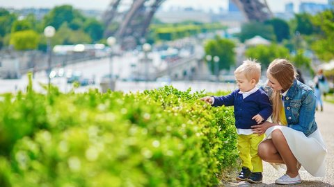 ロンドンとパリでもけっこう違う、子連れ観光客に対する「寛容度」