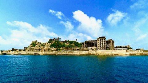 【世界遺産】朽ち果てた廃墟「軍艦島」は生きてる間に絶対見たい