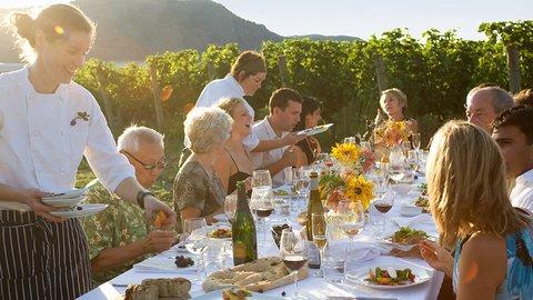 海外でワイナリー巡りの旅、おすすめは世界屈指のワイン王国・カナダ