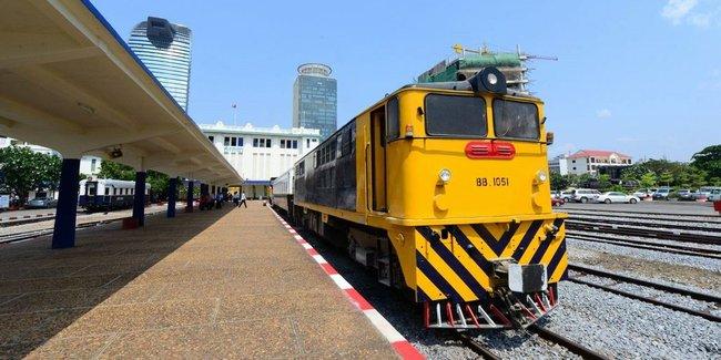 復旧進むカンボジアの鉄道、プノンペンと空港をつなぐ列車が運行開始
