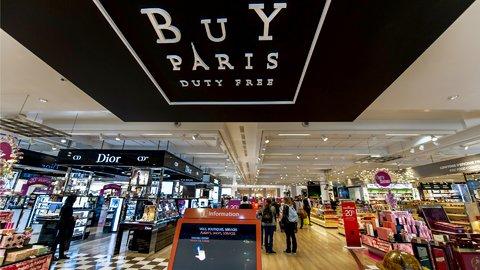 海外の免税店でブランド品を買う時、カードと現金、どっちがお得?