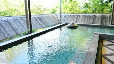 都内から2時間、伊豆高原の高級老舗旅館「坐漁荘」で週末贅沢旅行