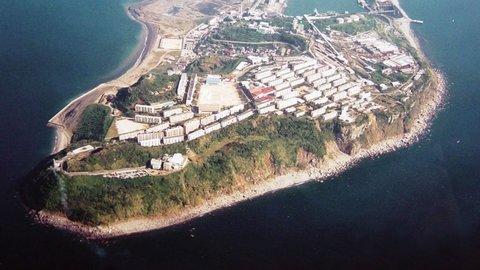 廃墟マニアも絶賛。長崎の西に浮かぶ第二の軍艦島「池島」の風景