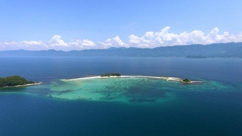 江戸時代から愛される、北陸のハワイ。白浜の無人島「水島」