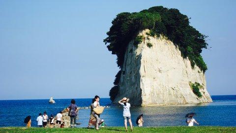 長崎の世界遺産だけじゃない!石川の能登にある「軍艦島」とは?