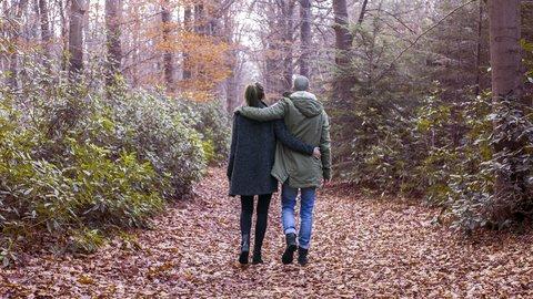 平成最後の秋の過ごし方。女性は「配偶者・恋人」との時間を重要視