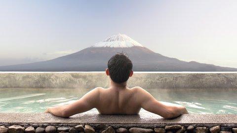 「ひとり温泉」が流行中?温泉に対する意識調査、意外な結果が見えてきた