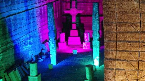 まるで地下神殿。栃木「大谷資料館」でRPGの世界感にどっぷり浸る