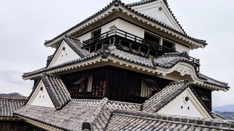 いざ、絶景の松山城へ。風情感じる街並みを走ってめぐる「旅ラン」レポート
