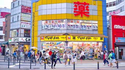 「目薬」が海外で大人気。いま日本の薬局で買われている薬はどれ?