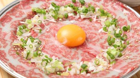絶品「合法生肉」が待ってるぞ。肉ラバー必見の「かしわ屋 新丸子店」