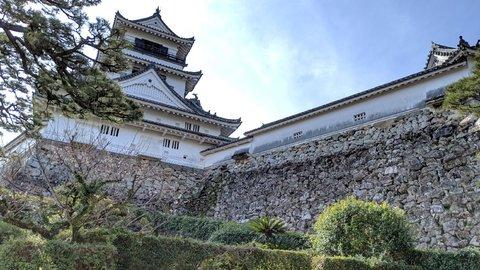 坂本龍馬ゆかりの「高知城」へ。歴史をたどる「旅ラン」レポート