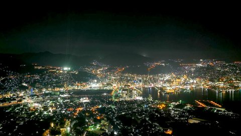 地元住民が選ぶ光のじゅうたん。港一望の長崎「夜景スポット」4選