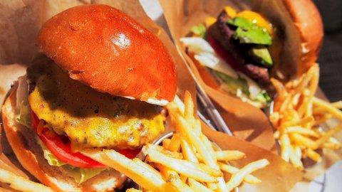 お肉大好きアメリカ人が選ぶ、本当に美味しい「日本のハンバーガー」ランキング