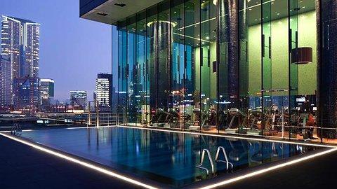 100万ドルの夜景を独り占め。香港で訪れるべきベストホテル4選