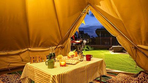 絶景の都会派キャンプ。浅草のど真ん中で楽しむグランピングBBQ