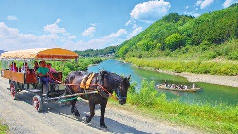 新緑の嵯峨野トロッコ列車&京馬車でのんびり初夏の亀岡・癒しの旅