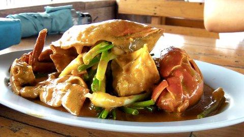 タイの景色に癒される。現地で人気のローカル「海鮮料理店」3選