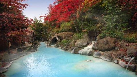 美ブルーの湯に魅せられて。混浴文化に心まで浸る福島「高湯温泉」