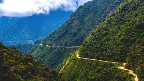 絶景に溶けて風になる。世界の美しき「サイクリングロード」7選