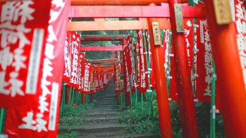 神秘的で美しいパワースポット。東日本の神社にある「千本鳥居」7選