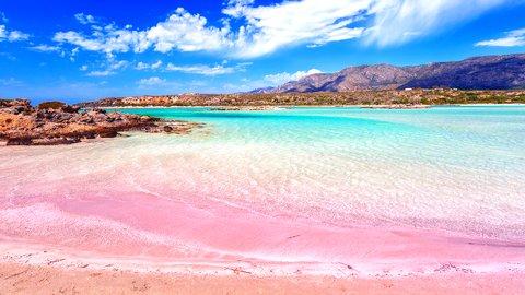 緑、赤、ピンク。世界のファンタジックな絶景カラフルビーチ5選