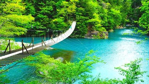 心揺れて恋に落ちる。スリルと絶景が待つおすすめ「吊り橋」10選