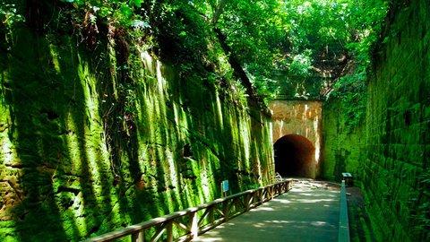 物語を感じる旅。ミステリアスな日本の「ラピュタ」スポット4選