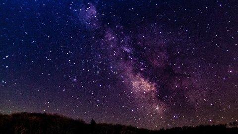 心結ばれる、ロマンチックな夜。世界各地の絶景「天の川」6選