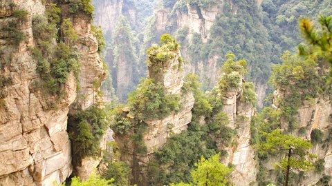 リアル「アバター」の世界へようこそ!中国「武陵源」の奇形世界をめぐる