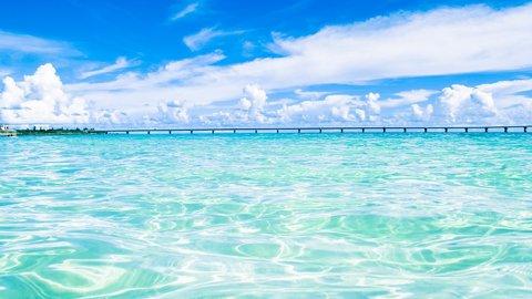 誰もが恋する青い海。日本の人気「ビーチ」ランキング2019
