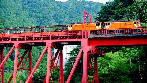 山に囲まれた日本の恩恵。大自然を駆け抜ける全国「登山鉄道」7選