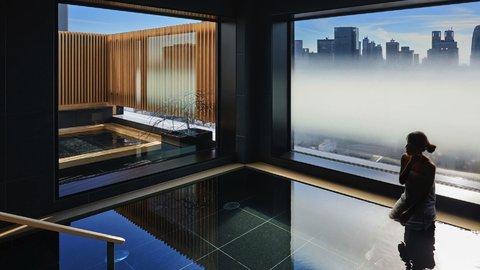 新宿、だけど箱根の湯。大都会の空を独り占めする旅館「由縁 新宿」