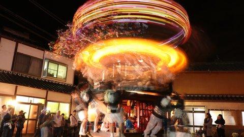 西日本唯一と云われる高速回転する山車、福知山の奇祭「額田のダシ行事」