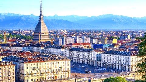 一苦労した先の美しさ。北イタリア「トリノ」の活気ある街並み