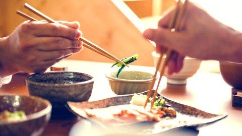 食事で深まる異文化理解。スイスの家庭で味わう日本シーフード
