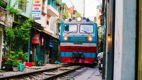 ロマンあふれる粋な旅を。情景に癒される「世界の長距離鉄道」7選