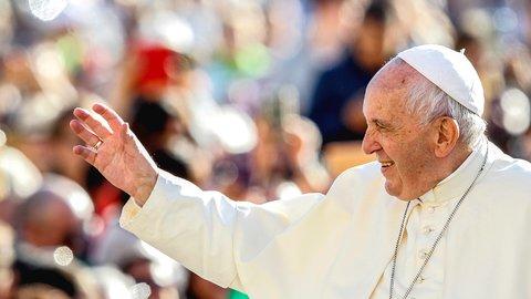 11/23、ローマ法王が38年ぶりの来日。奇跡的な「雪ミサ」の記憶