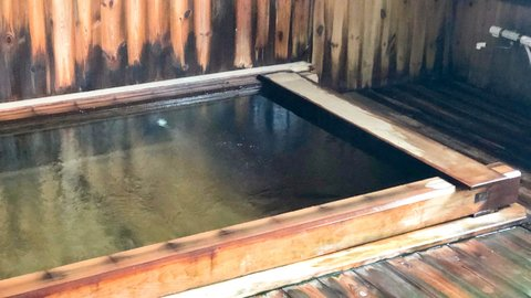 東京から日帰りOK。信玄も愛した長野の秘湯で「冷泉」体験